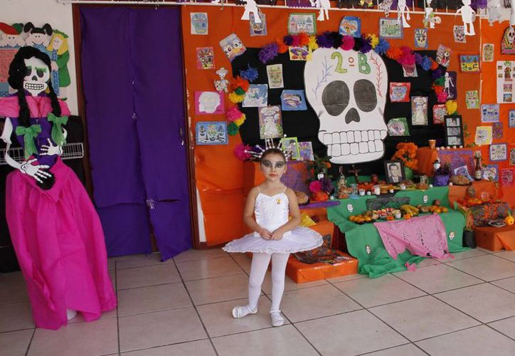 Los disfraces de bailarinas, calabazas, brujas entre otros, fueron los preferidos de los infantes. (Tomás Álvarez/SIPSE)