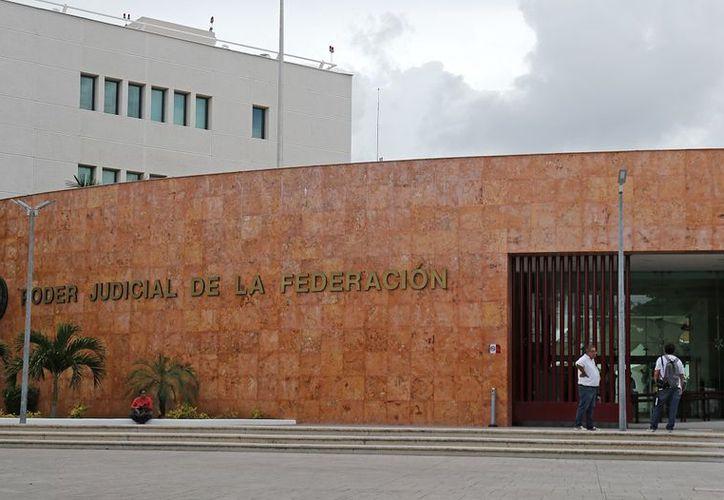 Tras una comparecencia de 8 horas en instalaciones del Poder Judicial de la Federación se determinó improcedente la acusación.(Claudia Olavarría/SIPSE)