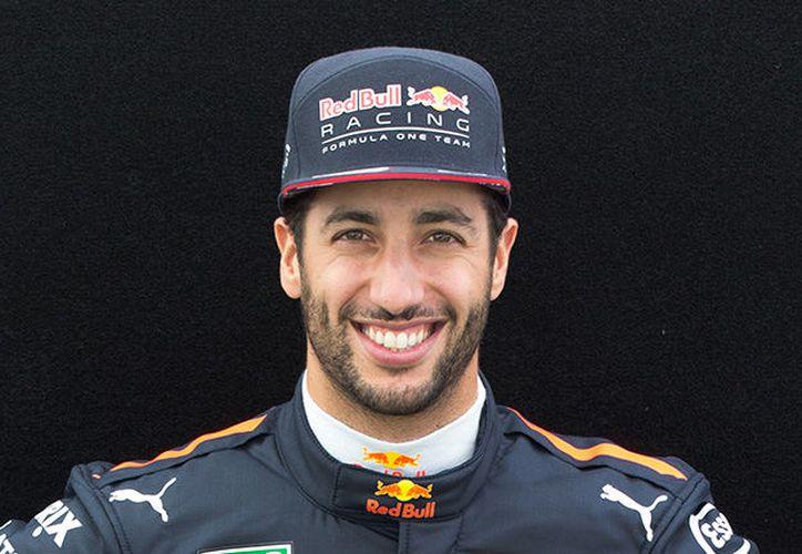 El australiano Daniel Ricciardo de Red Bull, repitió como el piloto más veloz en los entrenamientos libres de Hungría. (Internet/Contexto)