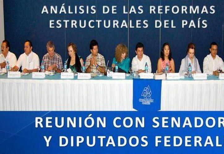 """El """"grupo peninsular mexicano"""" sostuvo una reunión con diputados el pasado 27 de septiembre. (Israel Leal/SIPSE)"""
