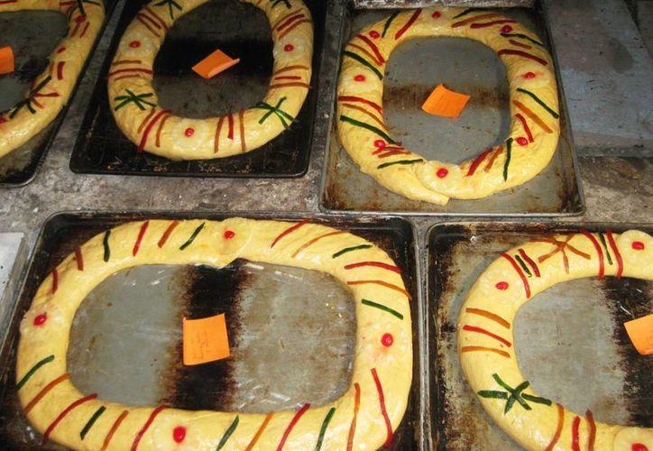 Las panaderías lograron incrementar sus ventas de roscas de los Reyes Magos durante el día del festejo. (Javier Ortiz/SIPSE)