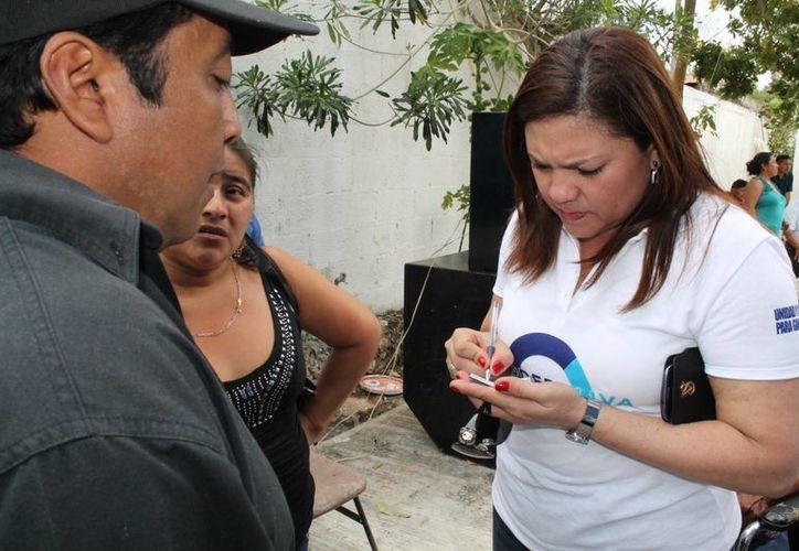 La senadora Rosa Adriana Díaz Lizama se sumó a otras legisladoras que presentaron una iniciativa para modificar la Ley General de Salud, la Ley del Seguro Social y la Ley del Issste, a fin de garantizar atención universal durante el parto. (SIPSE)