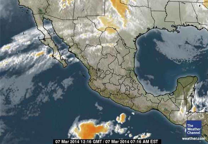 El frente frío número 40, en la Península de Yucatán, continúa moviéndose lento al sureste y ocasiona viento fresco del Norte. (espanol.weather.com)