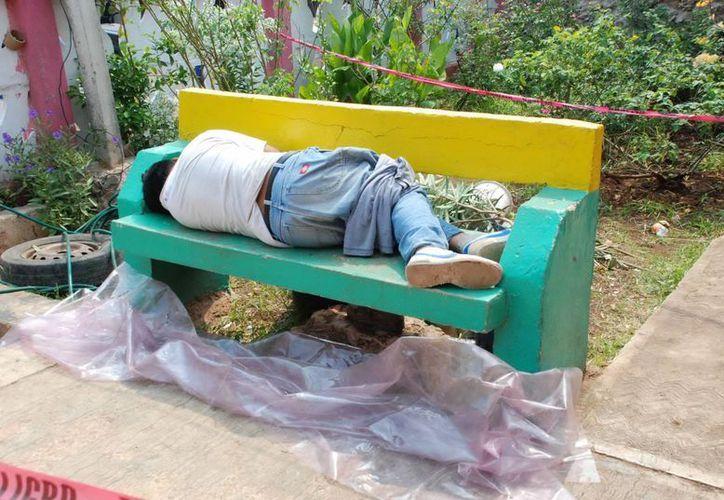 Tal como se acostó a dormir murió Braulio Chalé en una banca de la casa de su vecino. (SIPSE)