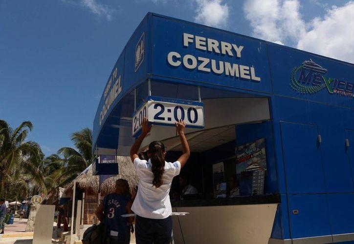 Ahora las tres navieras que ofrecen servicio de cruce a Cozumel ofrecen tarifas especiales a residentes de Playa del Carmen. (Adrián Barreto/SIPSE)
