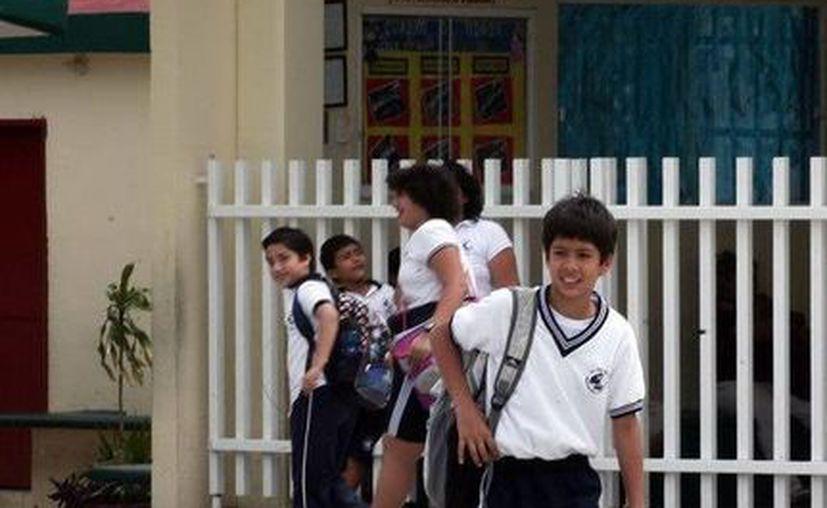 Los padres de familia sólo tienen oportunidad de realizar un único cambio de escuela o turno. (Redacción/SIPSE)