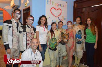 """Elenco del Cirque du Soleil visita """"El Espacio de Michelle"""""""