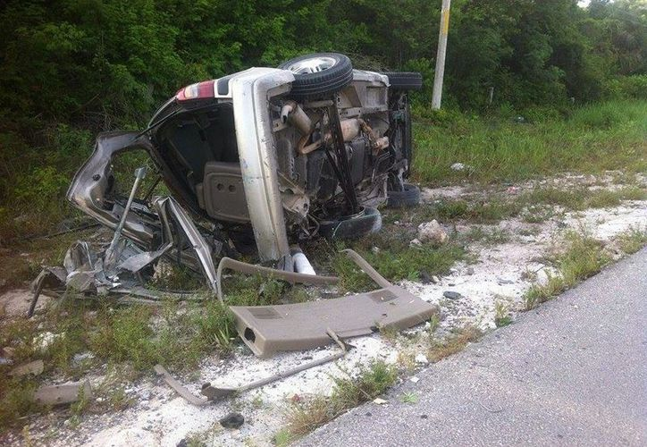 El conductor de este vehículo resultó lesionado. (Sergio Orozco/SIPSE)