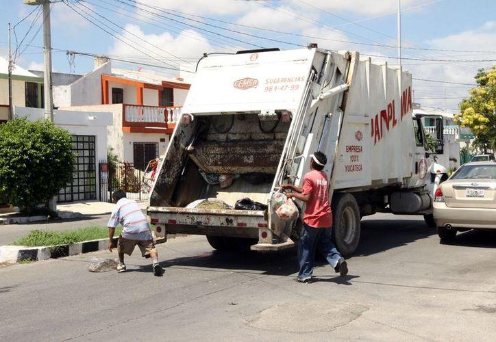 La empresa Pamplona en la rfecolección de basura en Mérida. (Milenio Novedades)