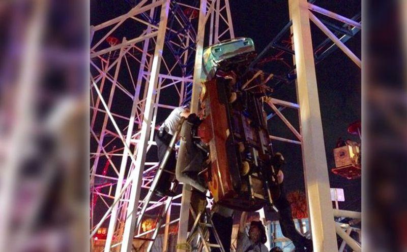 Una montaña rusa descarrila en Florida y provoca seis heridos
