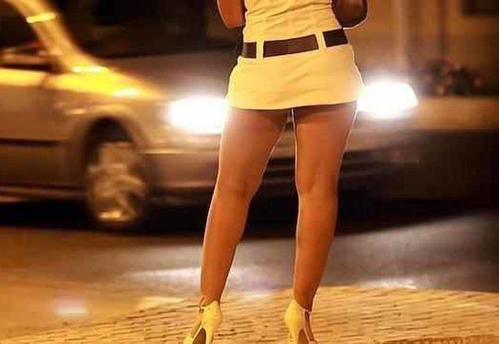 El comité gubernamental considera como opción la legalización de la prostitución. (elexpresso.com)