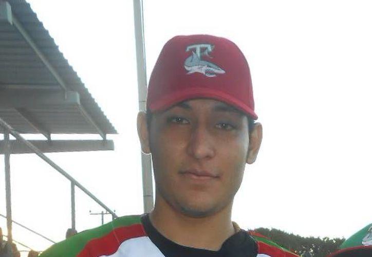 Rafael Ordaz nació en Veracruz, pero creció en Yucatán, y ahora quiere convertise en jugador de Grandes Ligas con los Yanquis. (Milenio Novedades)