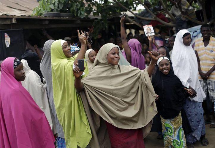 Las mujeres y niñas secuestradas por Boko Haram son convertidas en 'esposas' de los terroristas. (Agencias)