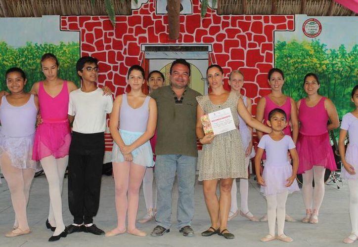 En las actividades participan alumnos y alumnas de los talleres de danza, música, teatro y artes plásticas. (Cortesía/SIPSE)