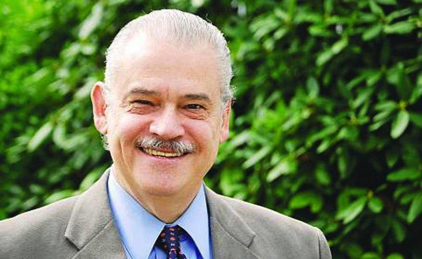 Miguel Basáñez Ebergenyi es licenciado en Derecho por la UNAM, maestro en Administración Pública por la Universidad de Warwick en Reino Unido, maestro en Filosofía Política por la London School of Economics, y doctor en Sociología Política. Fue propuesto como embajador de México en EU. (@MEXALDIA)