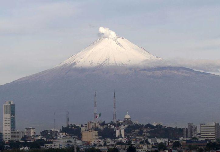 Cenapred recomienda a la población en general evitar acercarse al volcán. (Archivo/Notimex)
