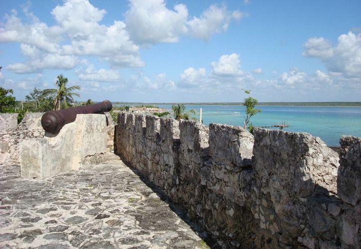 Los habitantes de Bacalar comentaron que desde que fue denominado como Pueblo Mágico no han visto mejoras. (Redacción/SIPSE)