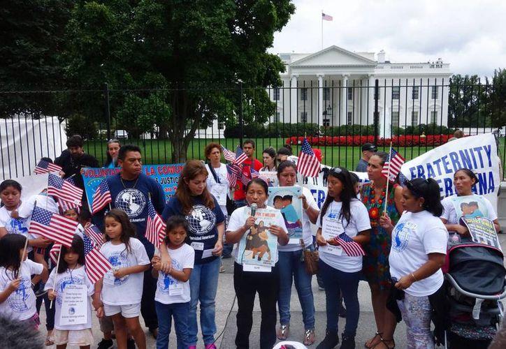 Las madres de los indocumentados consideran urgente la acción de Obama sobre la crisis en el tema de migración. La imagen corresponde a una manifestación de indocumentados en octubre pasado. (Archivo/Notimex)