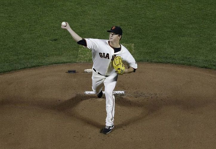 El pitcher de los Gigantes, Matt Cain, durante un duelo contra los Dodgers de Los Angeles. (Agencias)