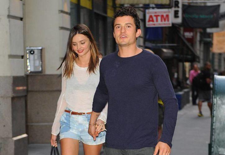 Imagen de archivo de los años maravillosos de Miranda Kerr y Orlando Bloom... Tras su divorcio, en octubre pasado,  a la modelo y al actor se les volvió a ver juntos en Nueva York. (justjared.com)