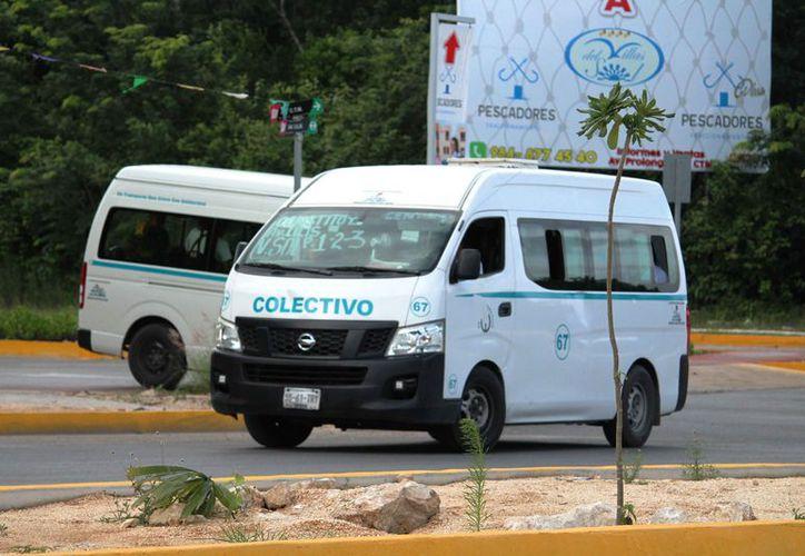 Confían en que en menos de un mes se regularice el servicio de combis. (Octavio Martínez/SIPSE)