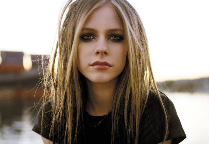 Avril Lavigne se ha convertido en la celebridad más peligrosa para buscar en línea. (Nexofin).