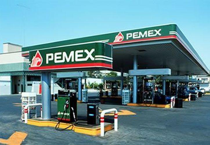 Todas las gasolineras del país deberán contar con un nuevo software en los dispensarios antes del 1 de febrero. (Notimex(Foto de archivo)