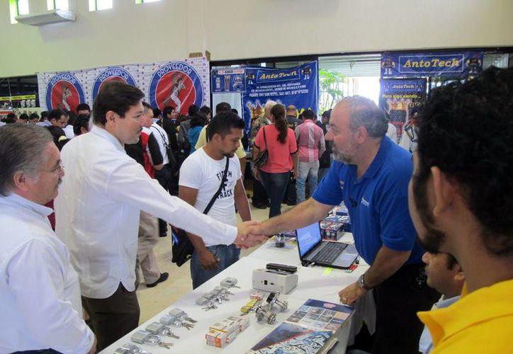 El titular de la STPS inauguró el evento ayer, en la Universidad Tecnológica Metropolitana. (SIPSE)