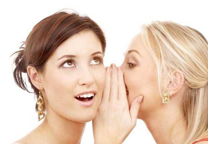 Las críticas ya sean positivas o negativas nos ayudarán a tener una visión externa de nuestros comportamientos. (Contexto/Internet)