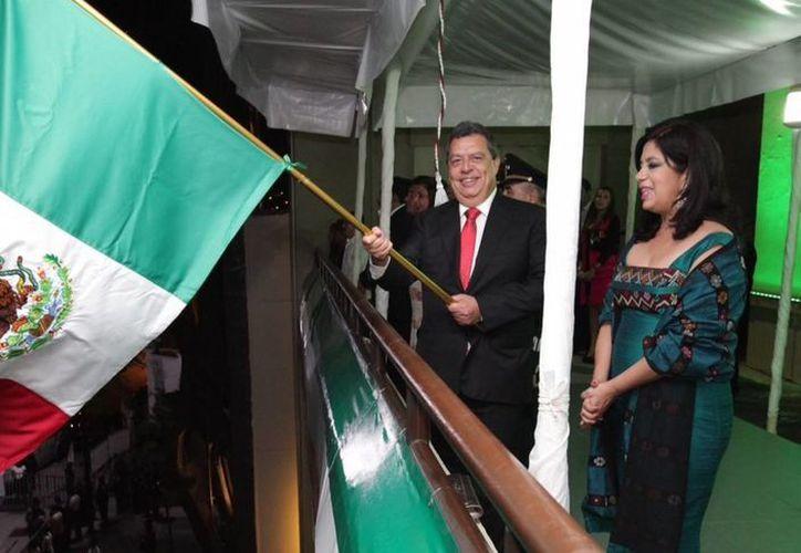 El gobernador de Guerrero, Ángel Aguirre, envió al Congreso estatal un decreto para realizar un referéndum sobre la revocación de su mandato. (Archivo/Notimex)