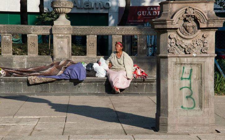 El gobierno busca evitar que mujeres y familias completas dejen de dormir en la calle. (sede-mx.com)