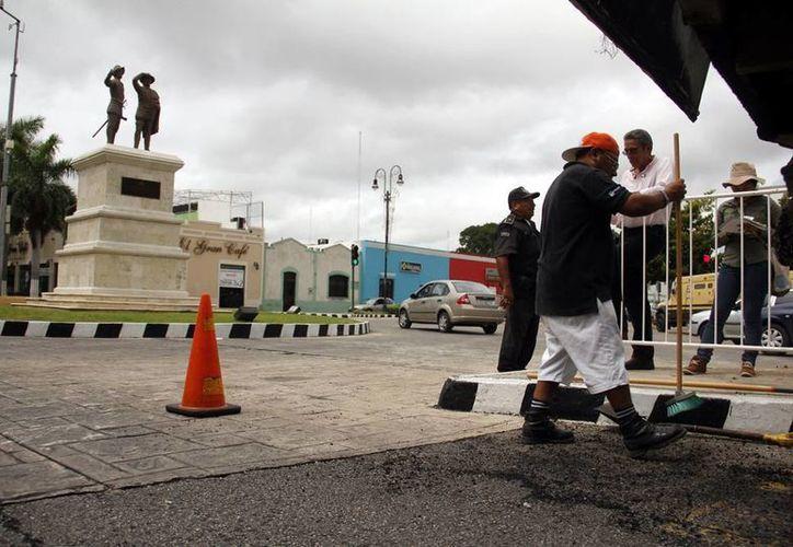 El asfalto donado por Pemex servirá tanto para reencarpetamiento y como pavimentación de nuevas calles. Foto de archivode las obras de remodelación del Paseo de Montejo. (Juan. C. Albornoz)