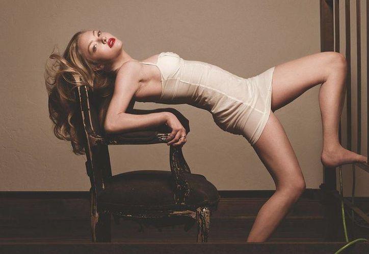 La actriz de Hollywood afirma que su busto perdió volumen al bajar de peso. (Internet)