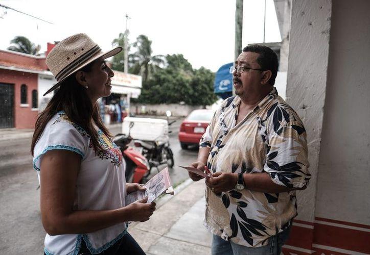 Marybel Villegas se comprometió con trabajadores, amas de casa y micro empresarios de Playa del Carmen. (SIPSE)