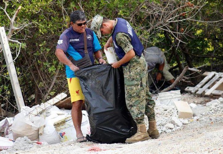 La limpieza se llevó a cabo en la carretera Sac-Bajo. (Foto: Redacción)