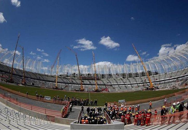 El estadio Beira de Porto Alegre estuvo entre lo que revisaron los inspectores de la FIFA. (es.fifa.com)