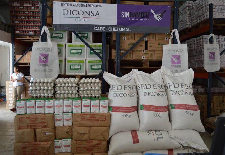 Las ventas representan 70.7 millones de pesos en ambos productos considerando que el kilo de frijol esta en 14.40 pesos y 4.50 pesos el kilo de maíz. (Harold Alcocer/SIPSE)