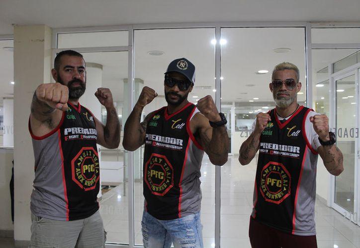 Los brasileños Alex Renner, Muniz Martins y Fabricio Fortunatu lucharán en la Arena Cancún. (Foto: Ivette Ycos/SIPSE)