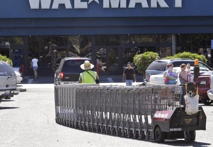 Walmart es el tercer mayor cliente de los espacios comerciales de Kimco. (Agencias/Archivo)