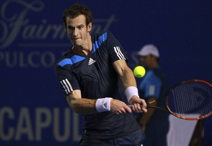 Andy Murray había perdido 1-6 el primer set ante el francés Gilles Simon, pero se recuperó y lo eliminó en el Abierto de Acapulco. (Agencias)