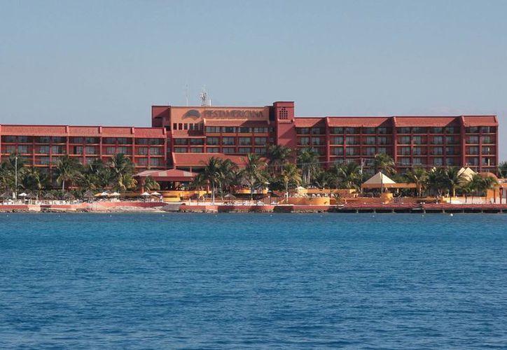 El hotel está localizado en el kilómetro 7.5 de la carretera costera sur. (Julián Miranda/SIPSE)