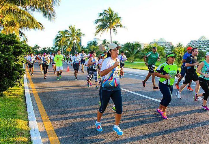 La 5ta. Carrera y Caminata Unidos por la Paz tendrá como punto de partida y meta el Palacio Municipal sobre Av. Tulum. (Contexto/Internet)