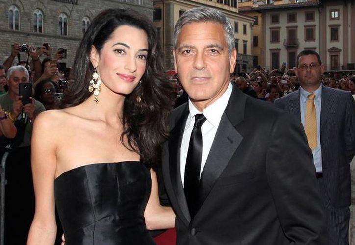 George Clooney y Amal Alamuddin se conocieron en el 2007 durante una cumbre de Nobel por la paz. (popsugar.com)