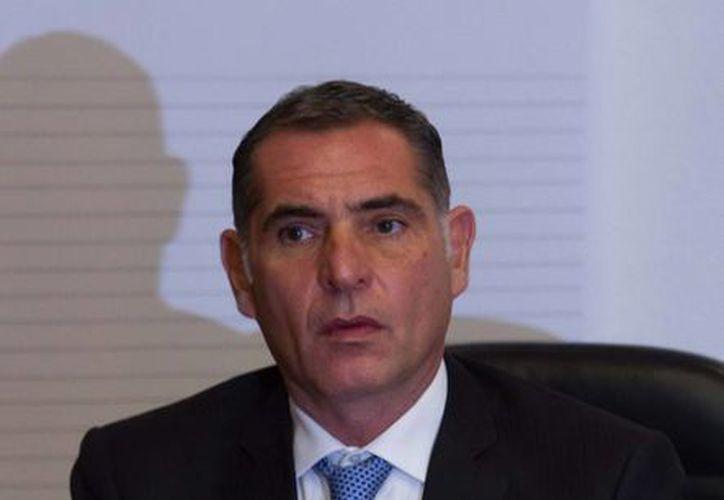 Gabino Cué llevó la Junta de Coordinación Política el proyecto educativo hecho con el magisterio de Oaxaca. (Notimex)