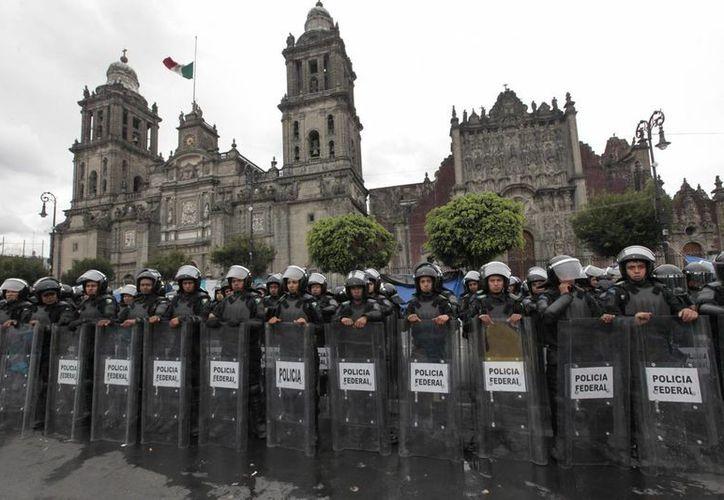 La PF mantiene custodiado el primer cuadro de la Ciudad de México. (Notimex)