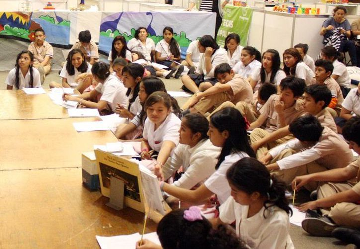Los talleres infantiles a los que invita la escuela 'Leopoldo Peniche', se realizarán de enero a marzo por las tardes. (SIPSE)