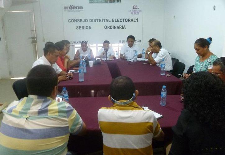Los integrantes del consejo rindieron su informe de actividades. (Raúl Balam/SIPSE)