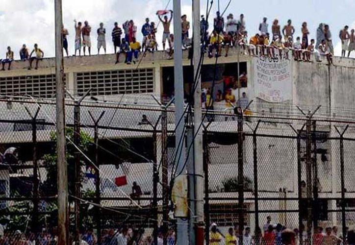 Doce presos murieron y otras once resultaron heridas en un motín realizado en la cárcel de Puente Ayala en Venezuela. (Foto: Internet)