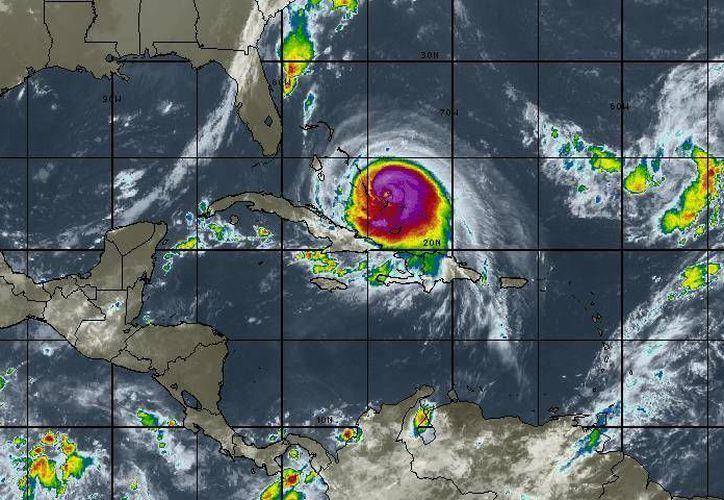 "El huracán ""Joaquín"" no representa peligro para Quintana Roo. (Cortesía/SIPSE)"