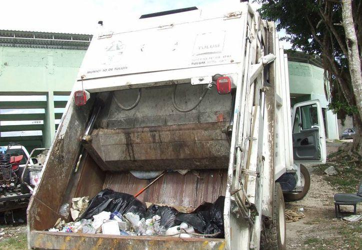 Durante la temporada vacacional la basura que se genera tanto en hogares como en hoteles, incrementa entre 20% y 30%.  (Rossy López/SIPSE)